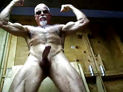 muscledaddy1951