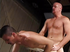 Daddy  fucks guy in the garaje
