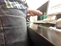 Str8 cumming at the front desk at work