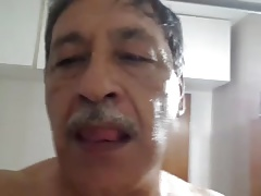 bigote maduro