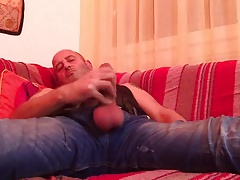 Str8 daddy wank on couch