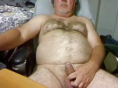 bear daddy stroke on cam (no cum)