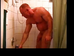 TOM LORD (shower)