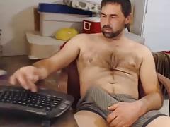 Str8 daddy bulge on cam