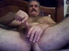 Bear Edging on Cam