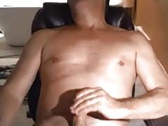 Hot daddy cumming fast