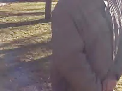 russian grandpa piss in pubblic