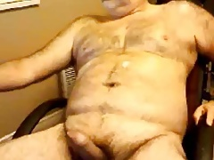 Hairy daddy shooting good