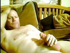 Hunk daddy has a fat dick