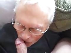 Grandpa sucinkg a big cock
