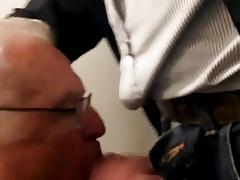 Toilette daddy spy