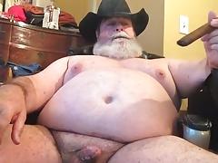 Sexy Chub Daddy Plays