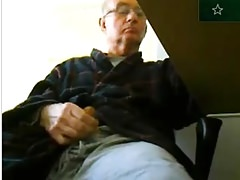 old man is jerking off on cam