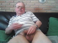 Uncut Dad wanking and spunking on cam
