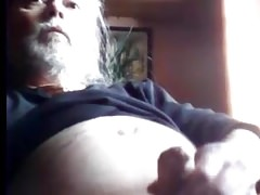 Dad wanking and cumming on cam