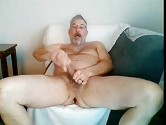 dad ejaculates onto his face