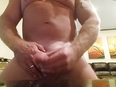 Str8 Married Daddy Jerks Off & Dumps a Nice Load