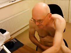 Old naked Brit