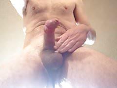 who wants to taste my cum?