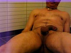 slave ingvar Risa jerking off